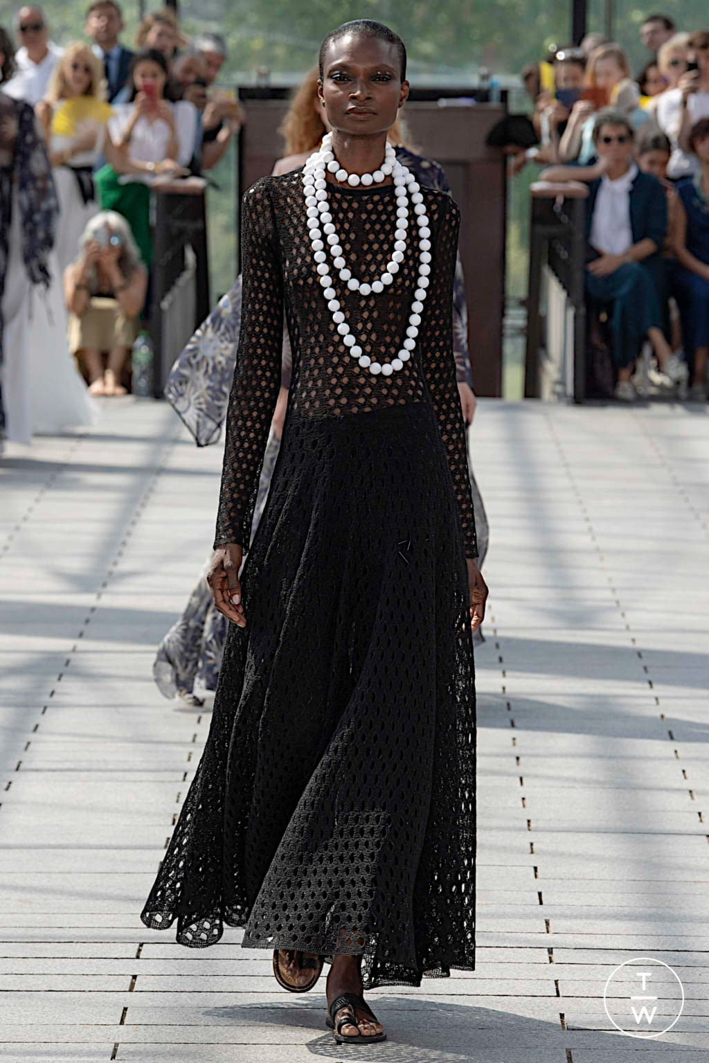 Fashion Week Paris Fall/Winter 2019 look 48 from the Maison Rabih Kayrouz collection couture