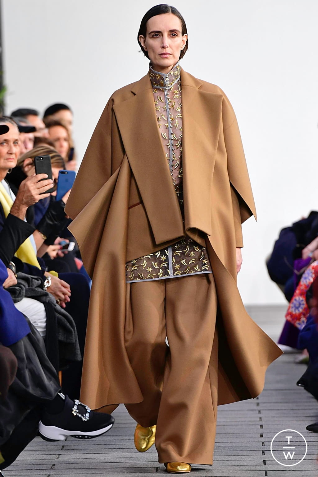 Fashion Week Paris Spring/Summer 2019 look 18 from the Maison Rabih Kayrouz collection couture