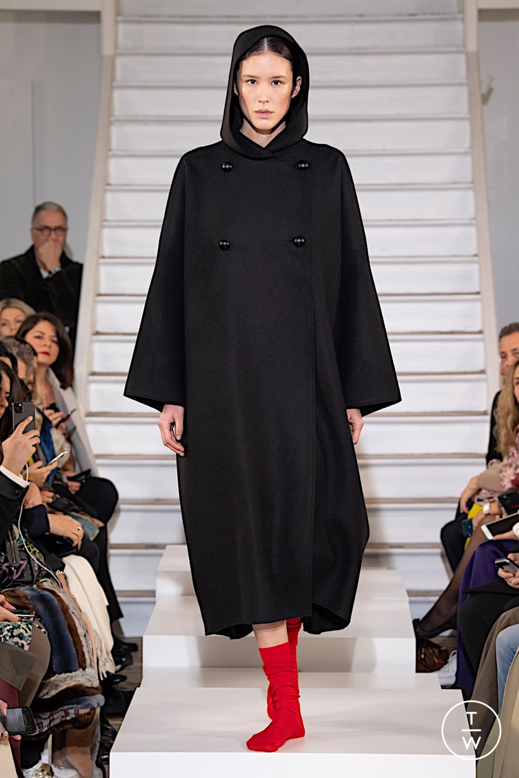 Fashion Week Paris Fall/Winter 2020 look 7 from the Maison Rabih Kayrouz collection couture
