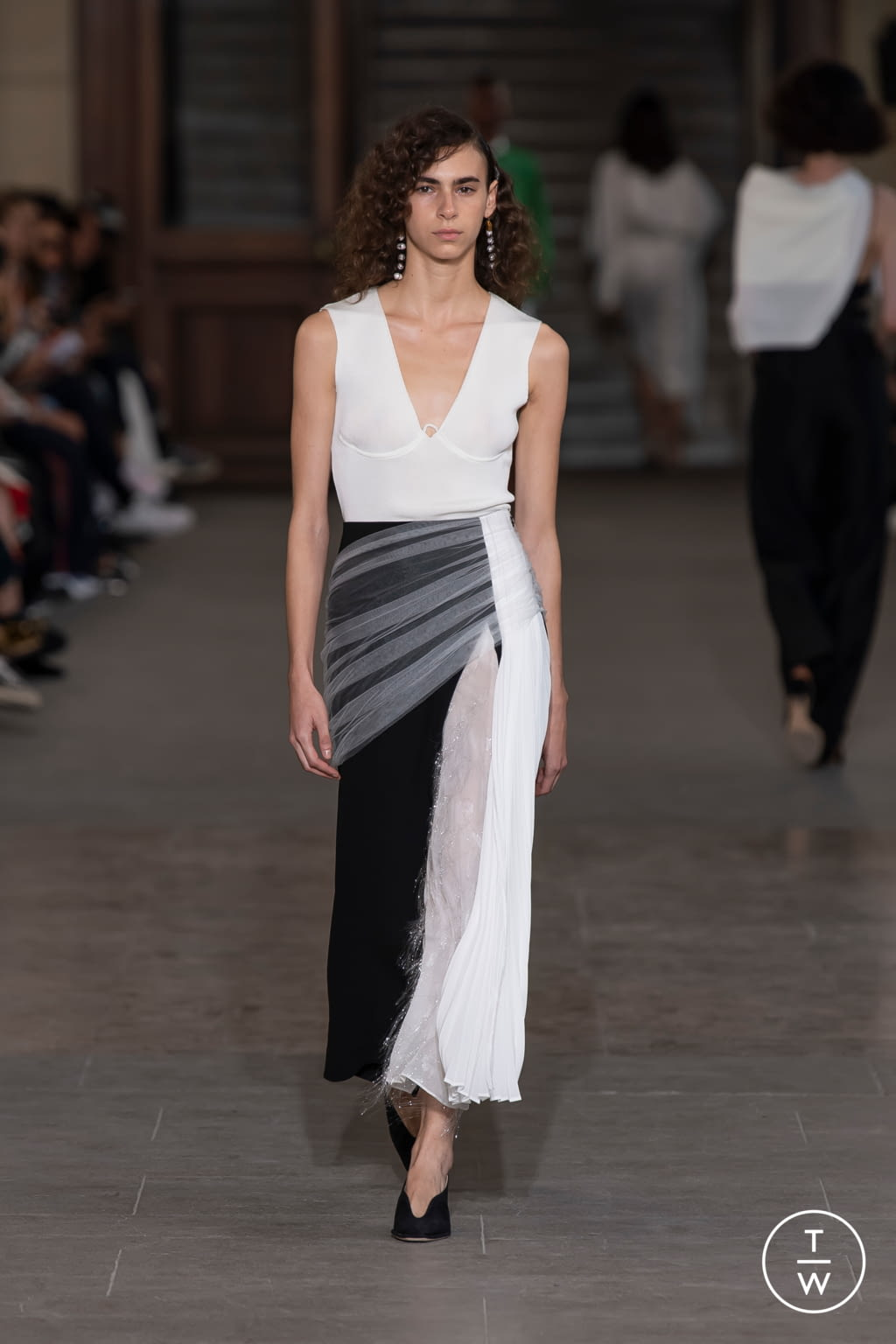Fashion Week Paris Spring/Summer 2020 look 9 from the Mame Kurogouchi collection womenswear