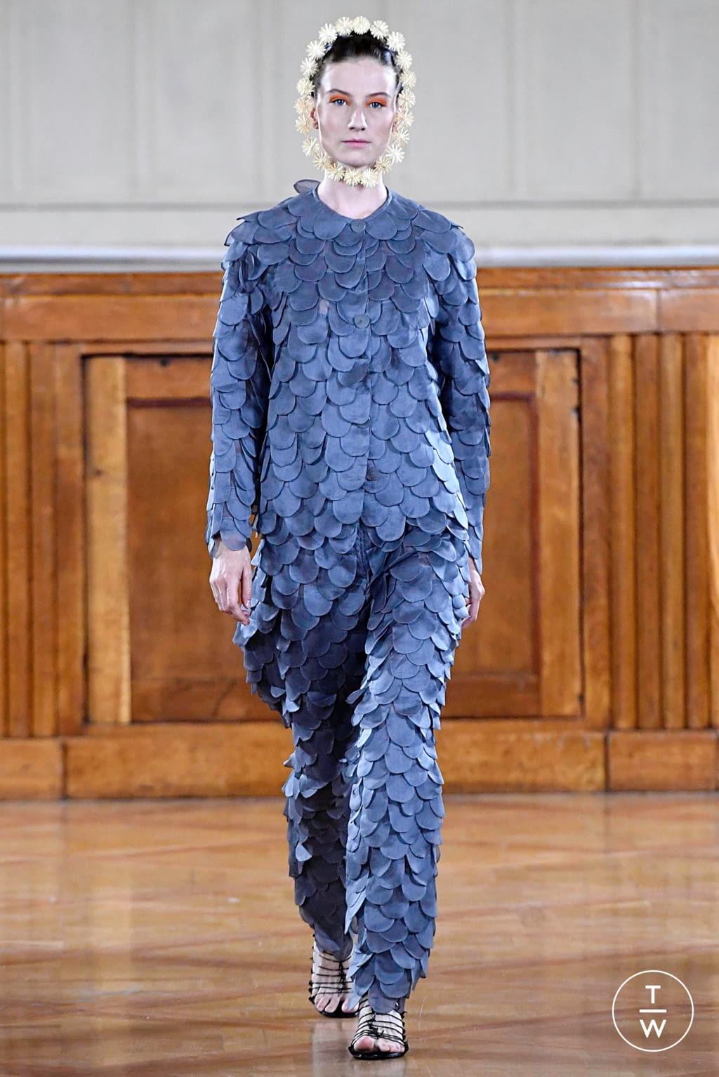 Fashion Week Paris Fall/Winter 2019 look 2 de la collection Maurizio Galante couture