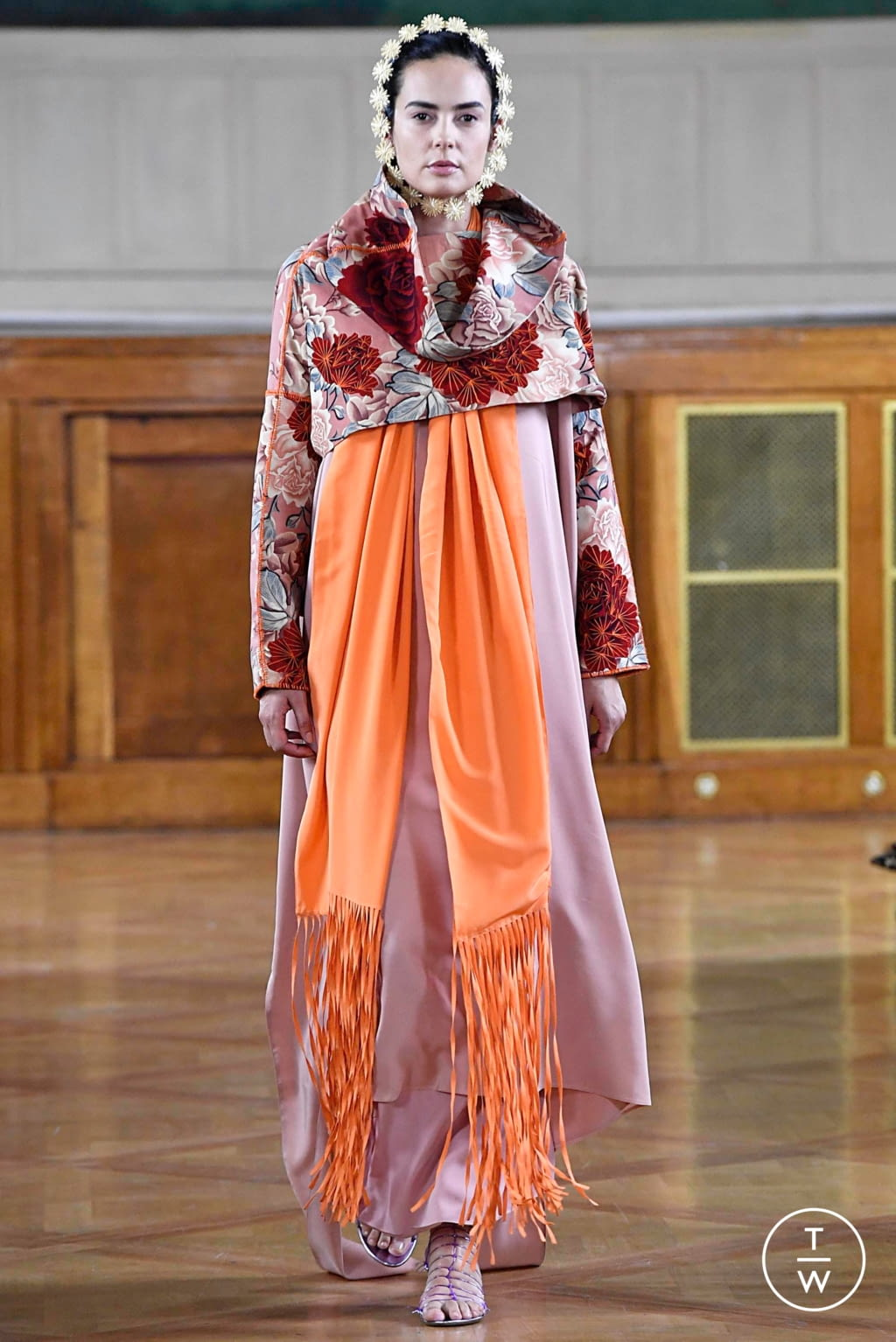 Fashion Week Paris Fall/Winter 2019 look 3 from the Maurizio Galante collection couture