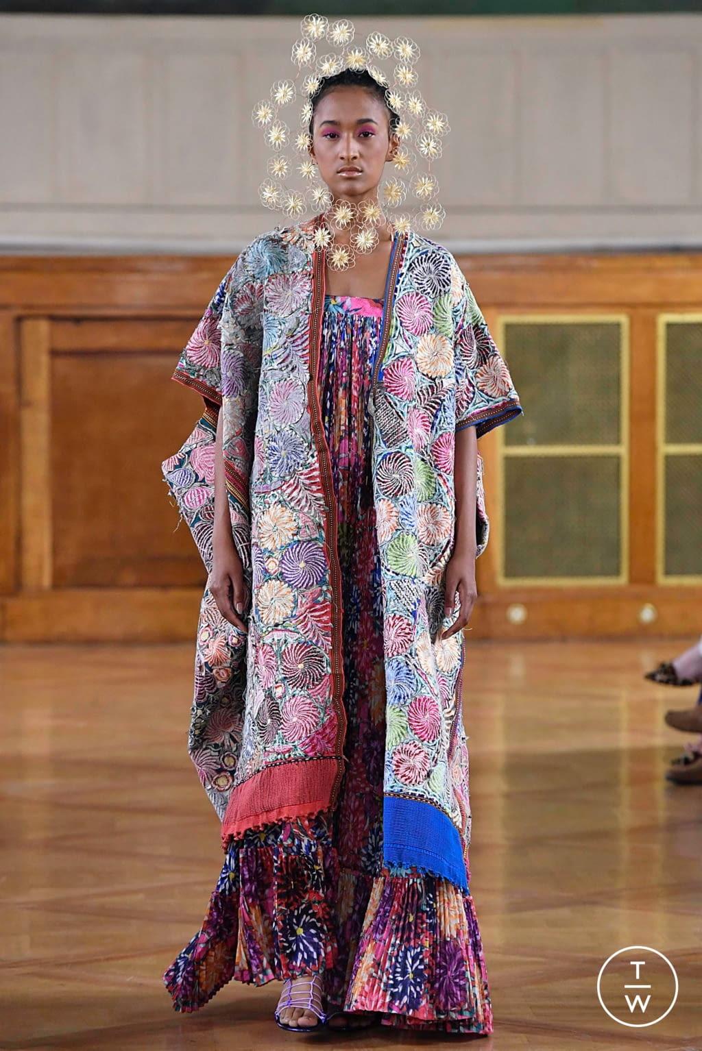 Fashion Week Paris Fall/Winter 2019 look 7 de la collection Maurizio Galante couture