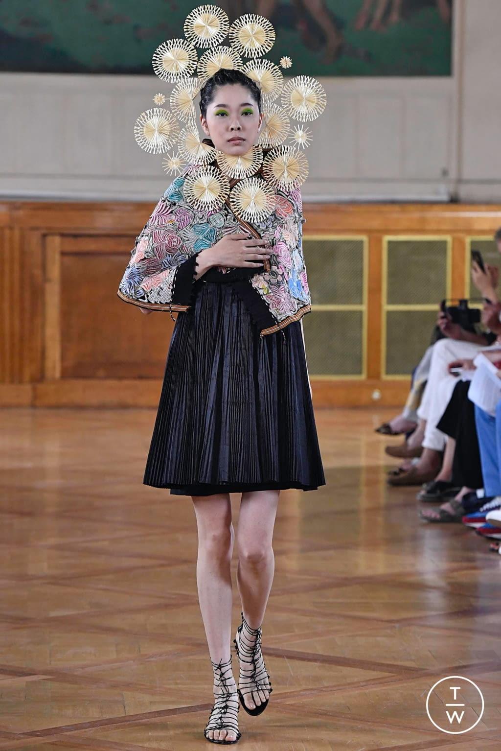 Fashion Week Paris Fall/Winter 2019 look 8 de la collection Maurizio Galante couture