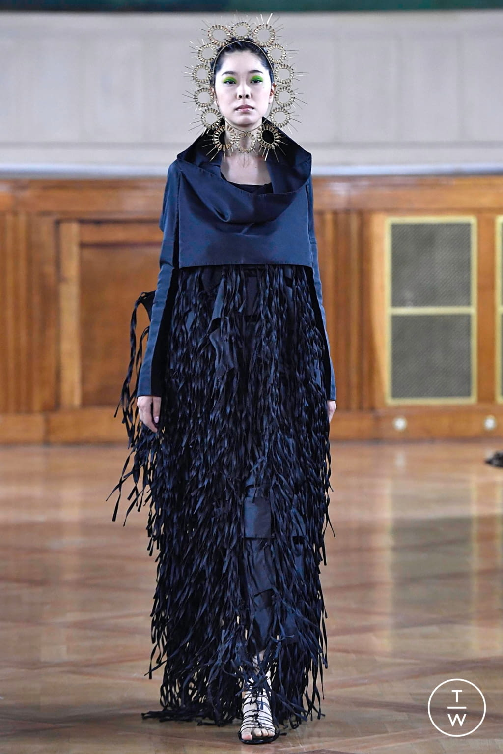 Fashion Week Paris Fall/Winter 2019 look 14 from the Maurizio Galante collection couture
