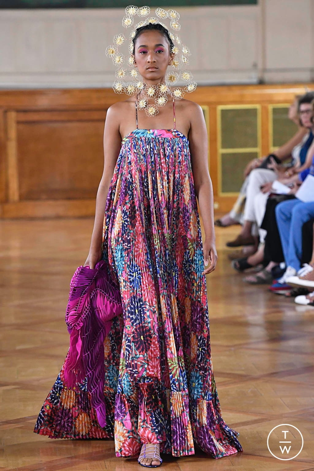 Fashion Week Paris Fall/Winter 2019 look 17 from the Maurizio Galante collection couture