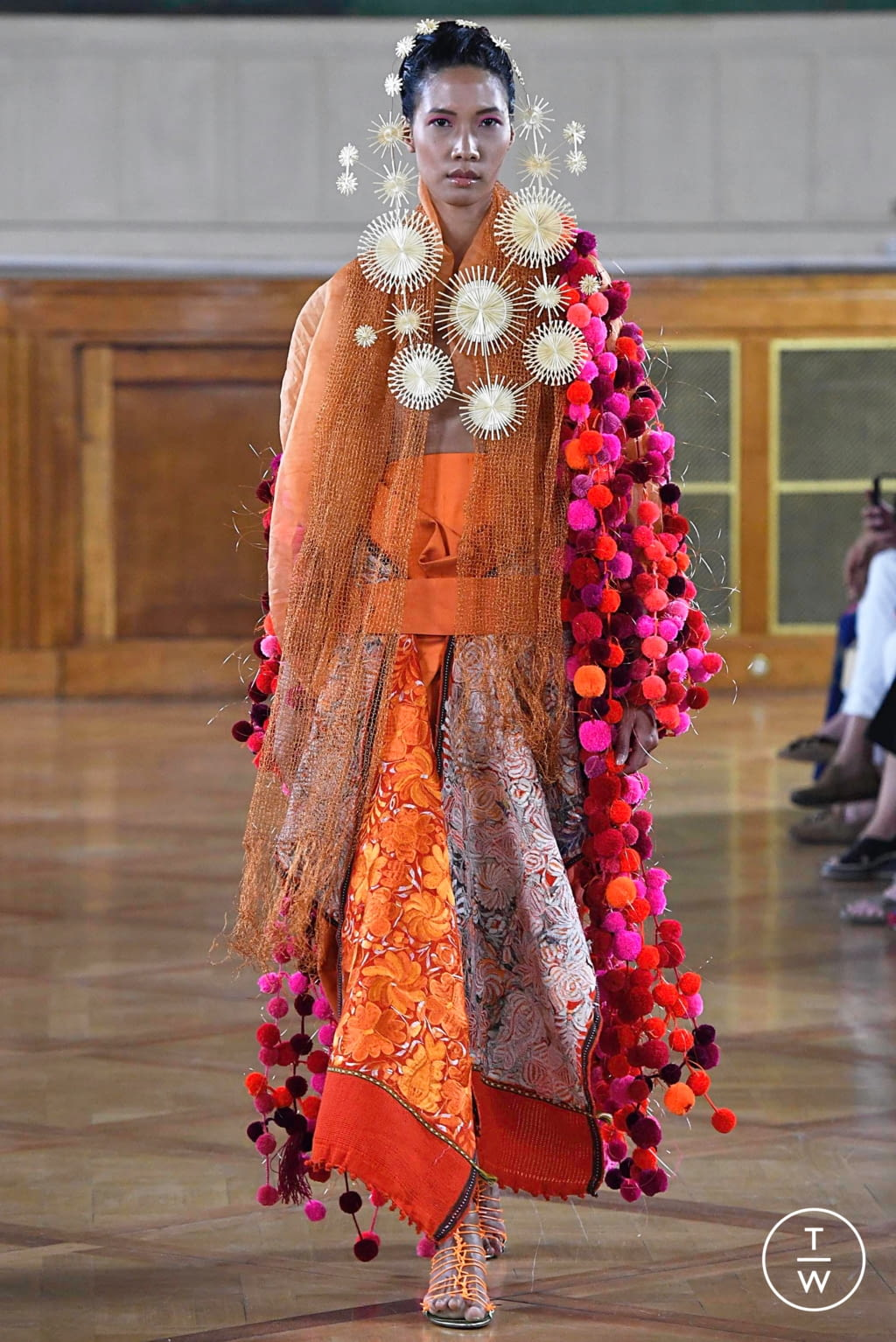 Fashion Week Paris Fall/Winter 2019 look 22 from the Maurizio Galante collection couture