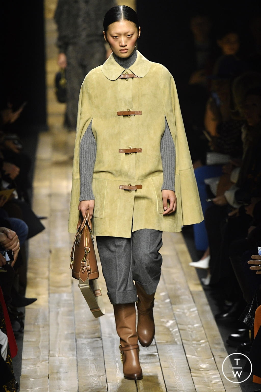 Fashion Week New York Fall/Winter 2020 look 13 from the Michael Kors Collection collection 女装
