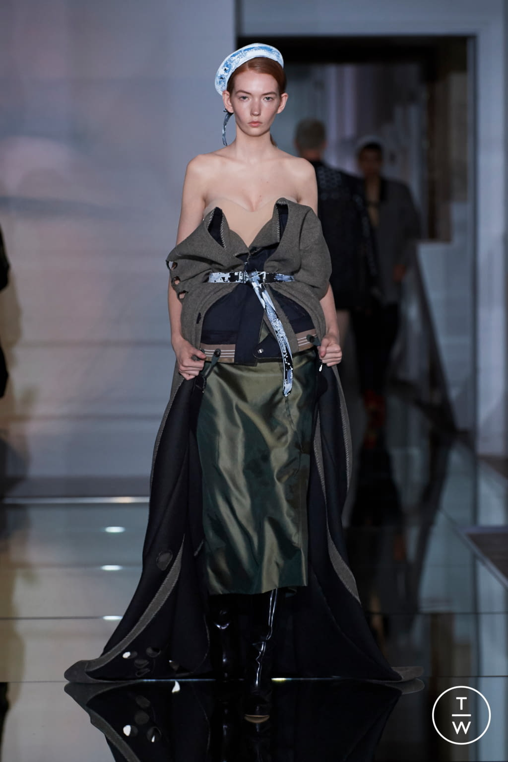 Fashion Week Paris Fall/Winter 2019 look 5 from the Maison Margiela collection couture