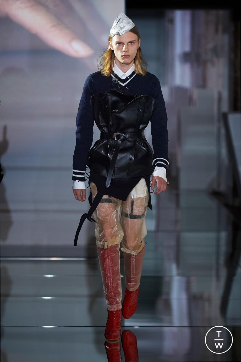 Fashion Week Paris Fall/Winter 2019 look 11 from the Maison Margiela collection couture
