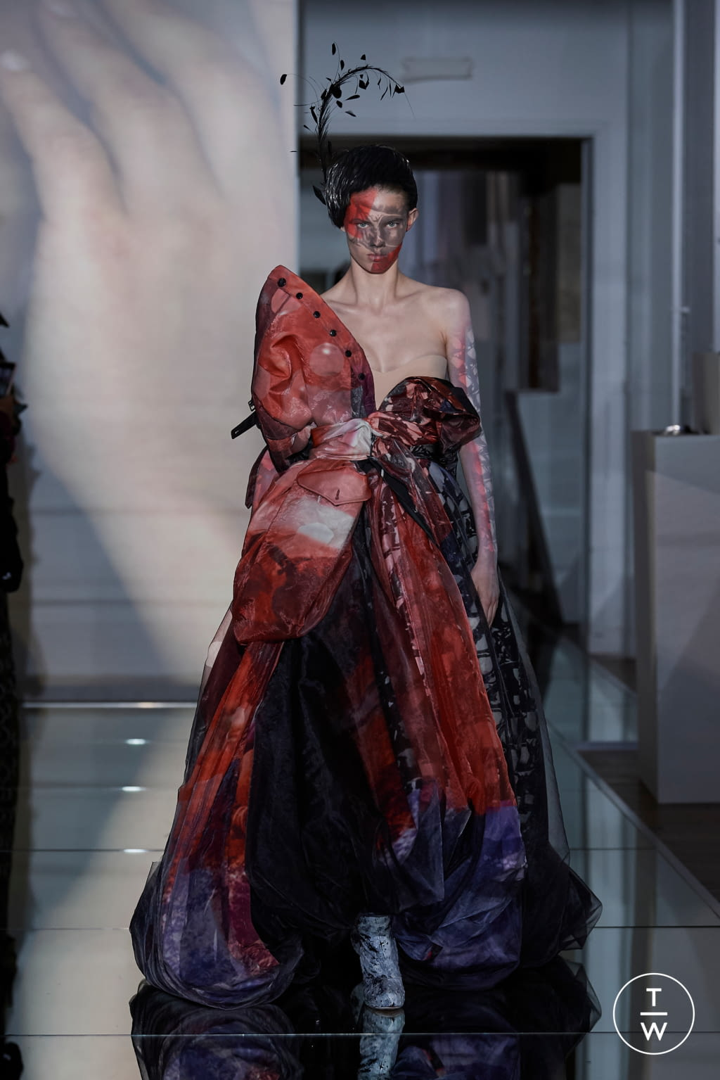 Fashion Week Paris Fall/Winter 2019 look 23 from the Maison Margiela collection couture