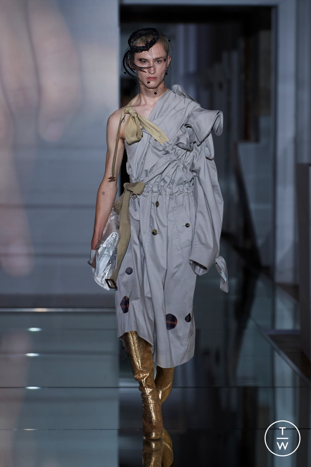 Fashion Week Paris Fall/Winter 2019 look 26 from the Maison Margiela collection couture
