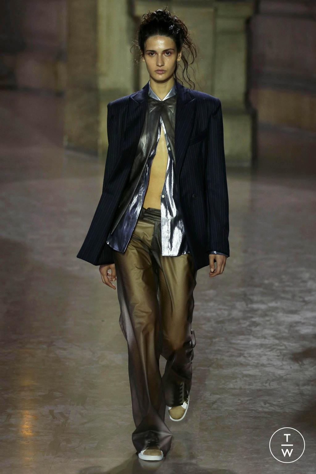 Fashion Week Paris Spring/Summer 2019 look 1 de la collection MOONYOUNGHEE womenswear