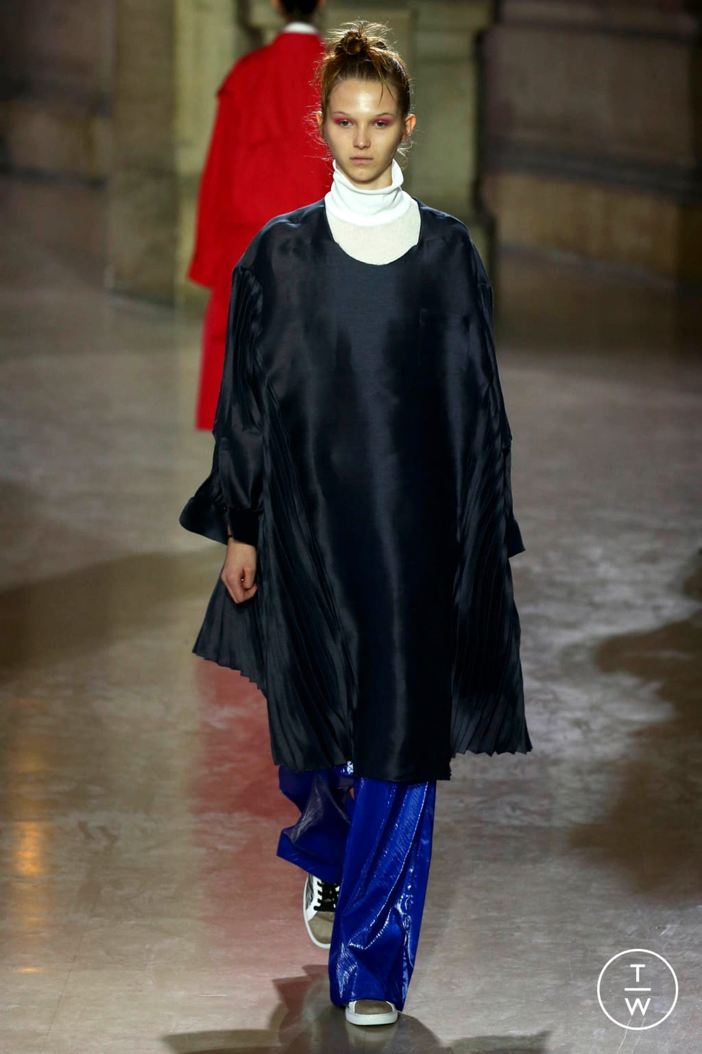 Fashion Week Paris Spring/Summer 2019 look 29 from the MOONYOUNGHEE collection 女装