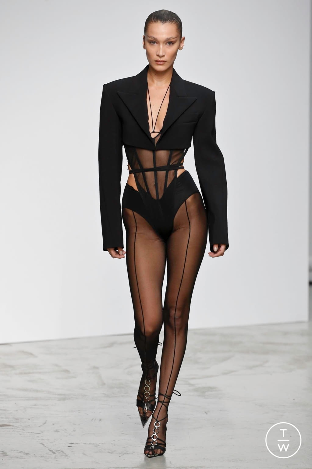 Fashion Week Paris Spring/Summer 2020 look 1 from the Mugler collection womenswear