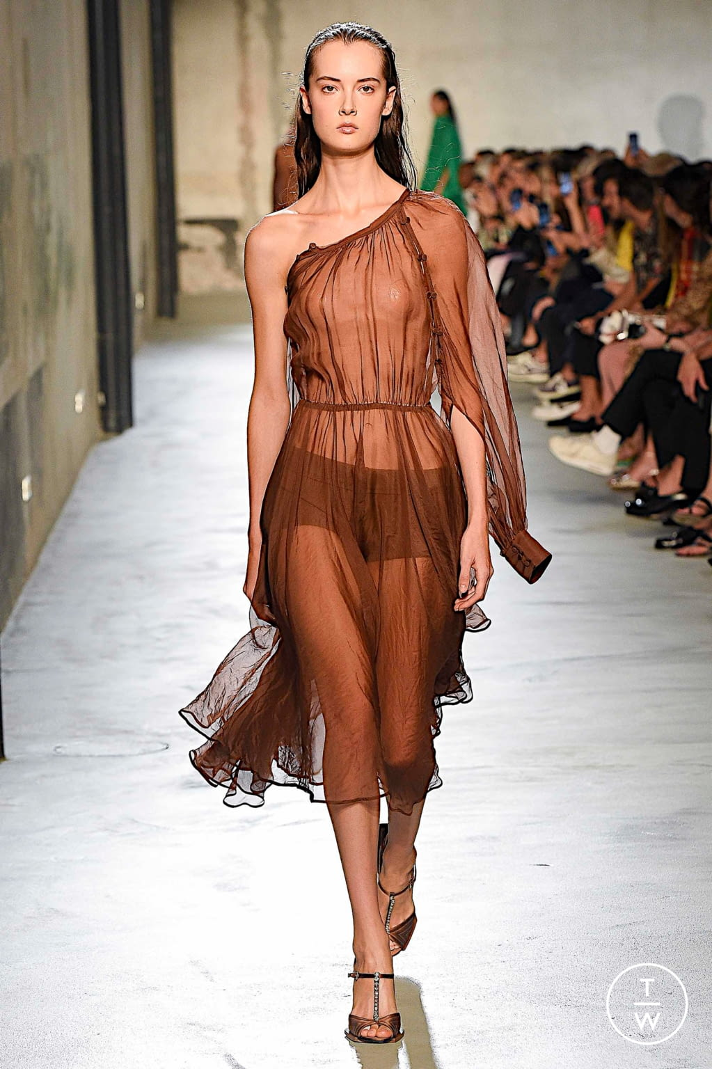 Fashion Week Milan Spring/Summer 2020 look 29 from the N°21 collection womenswear