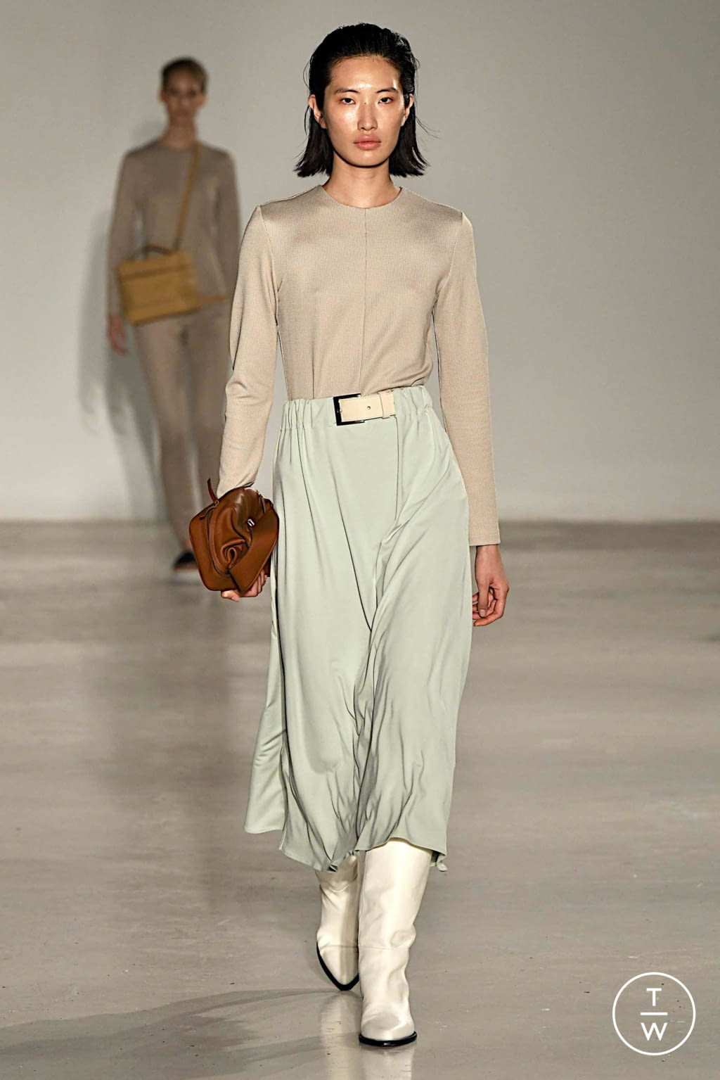 Fashion Week Paris Spring/Summer 2020 look 18 from the Nehera collection womenswear