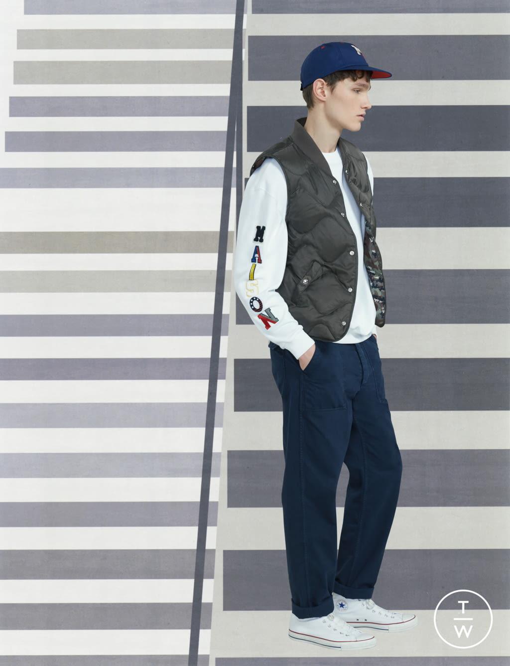 Fashion Week Paris Fall/Winter 2017 look 13 de la collection Maison Kitsuné menswear