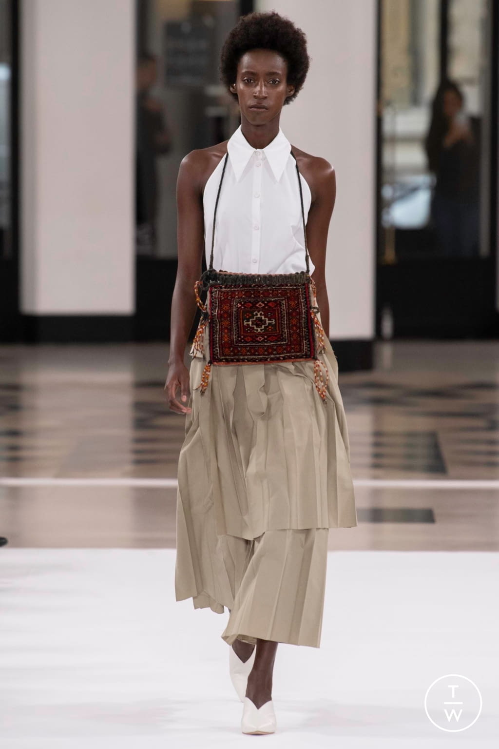 Fashion Week Paris Spring/Summer 2019 look 6 from the Nobi Talai collection womenswear
