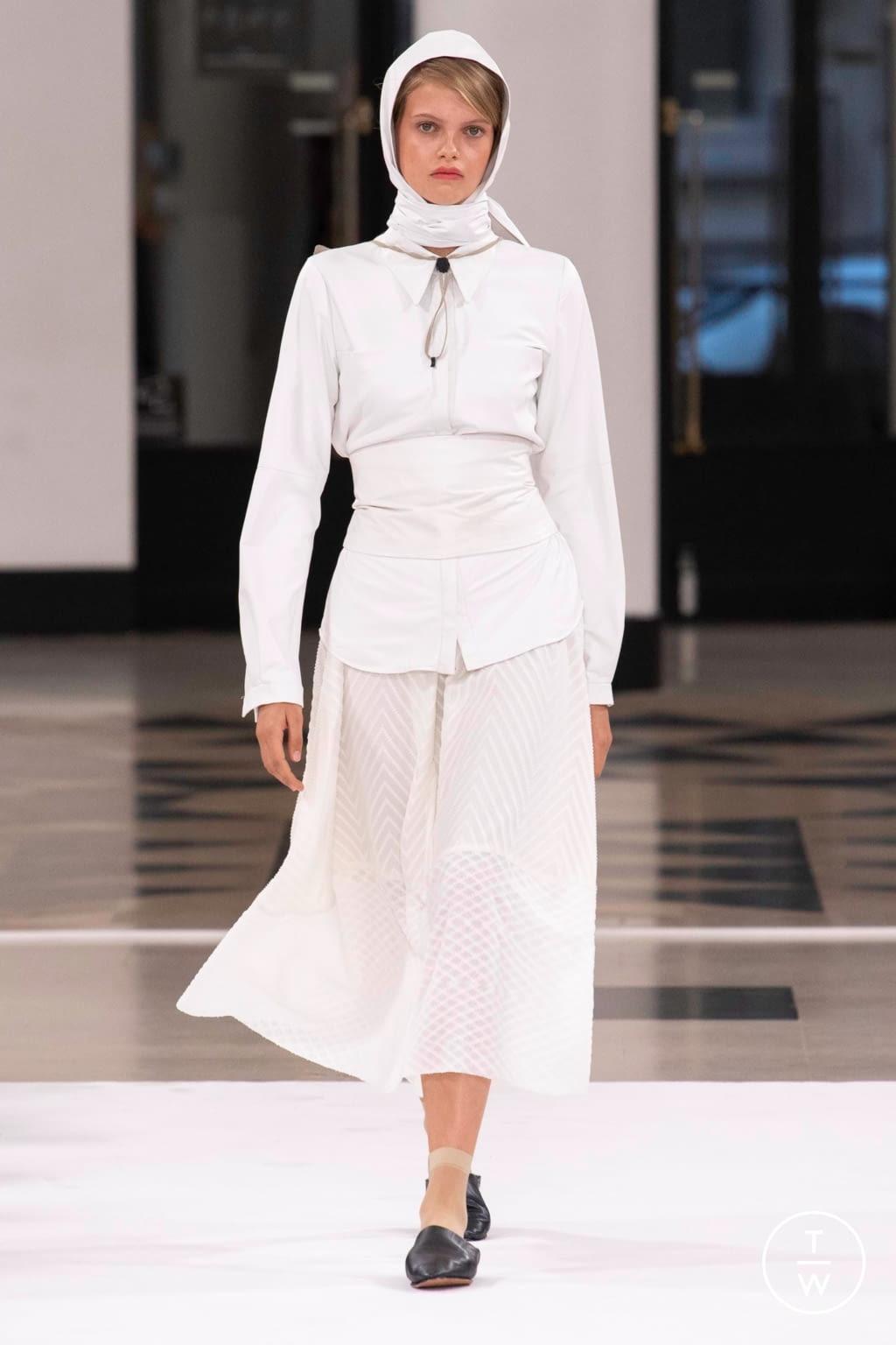Fashion Week Paris Spring/Summer 2019 look 39 from the Nobi Talai collection womenswear