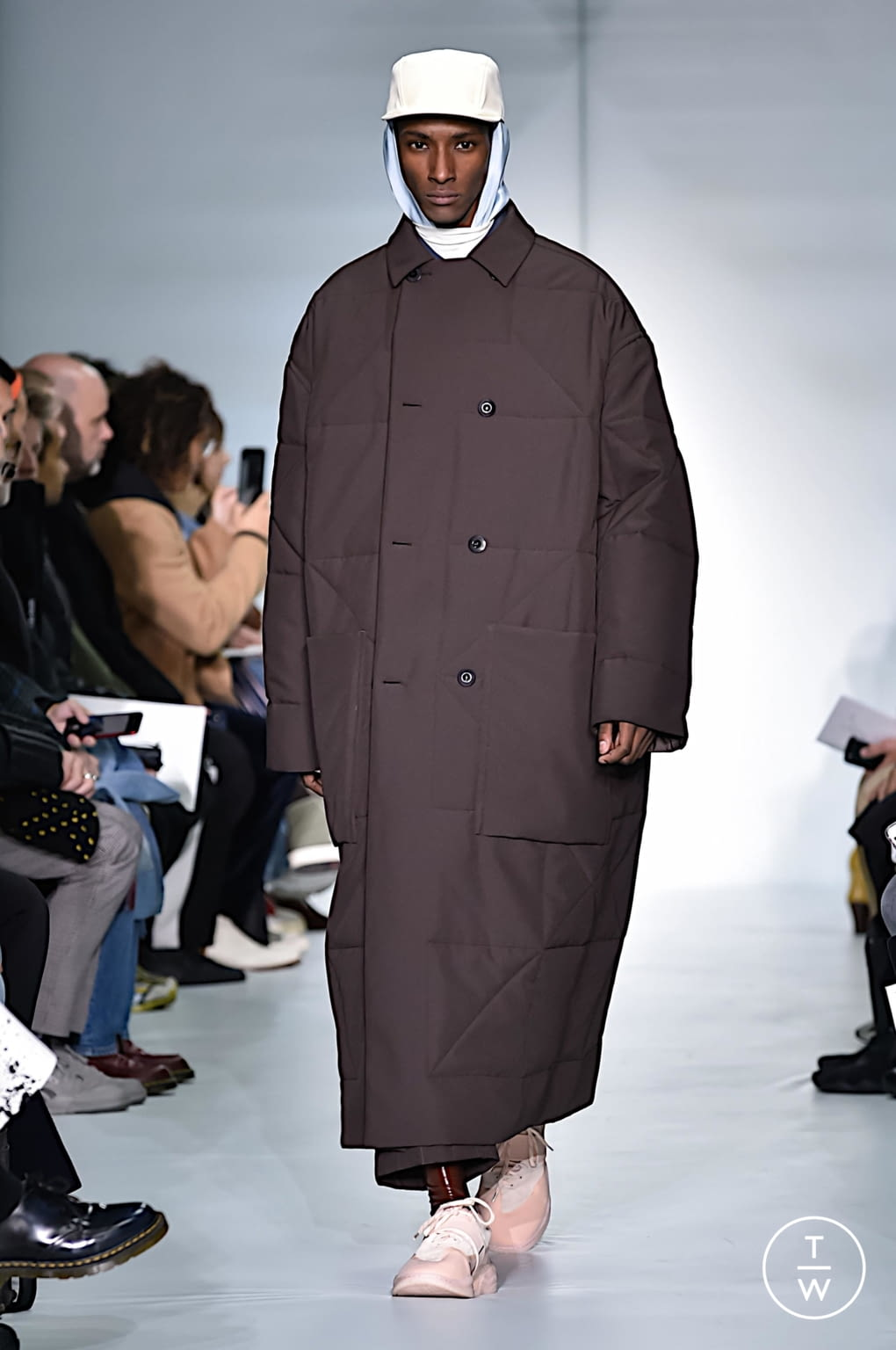 Fashion Week Paris Fall/Winter 2019 look 17 from the OAMC collection menswear