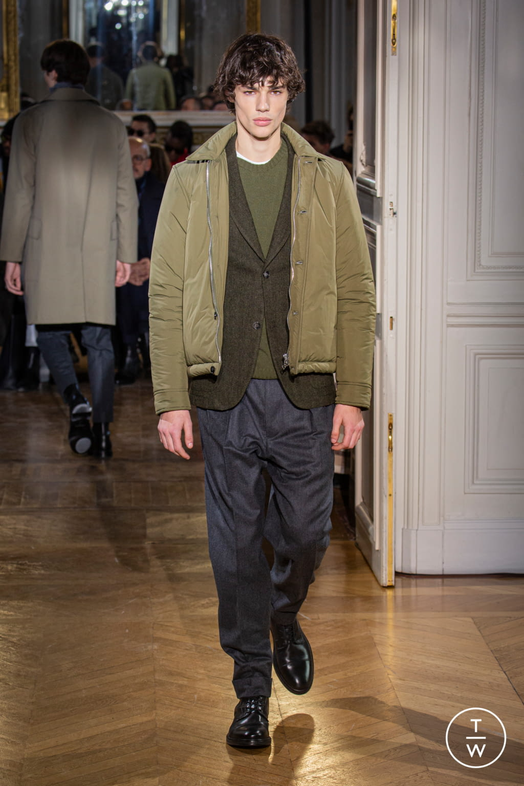 Fashion Week Paris Fall/Winter 2020 look 33 from the Officine Générale collection 男装