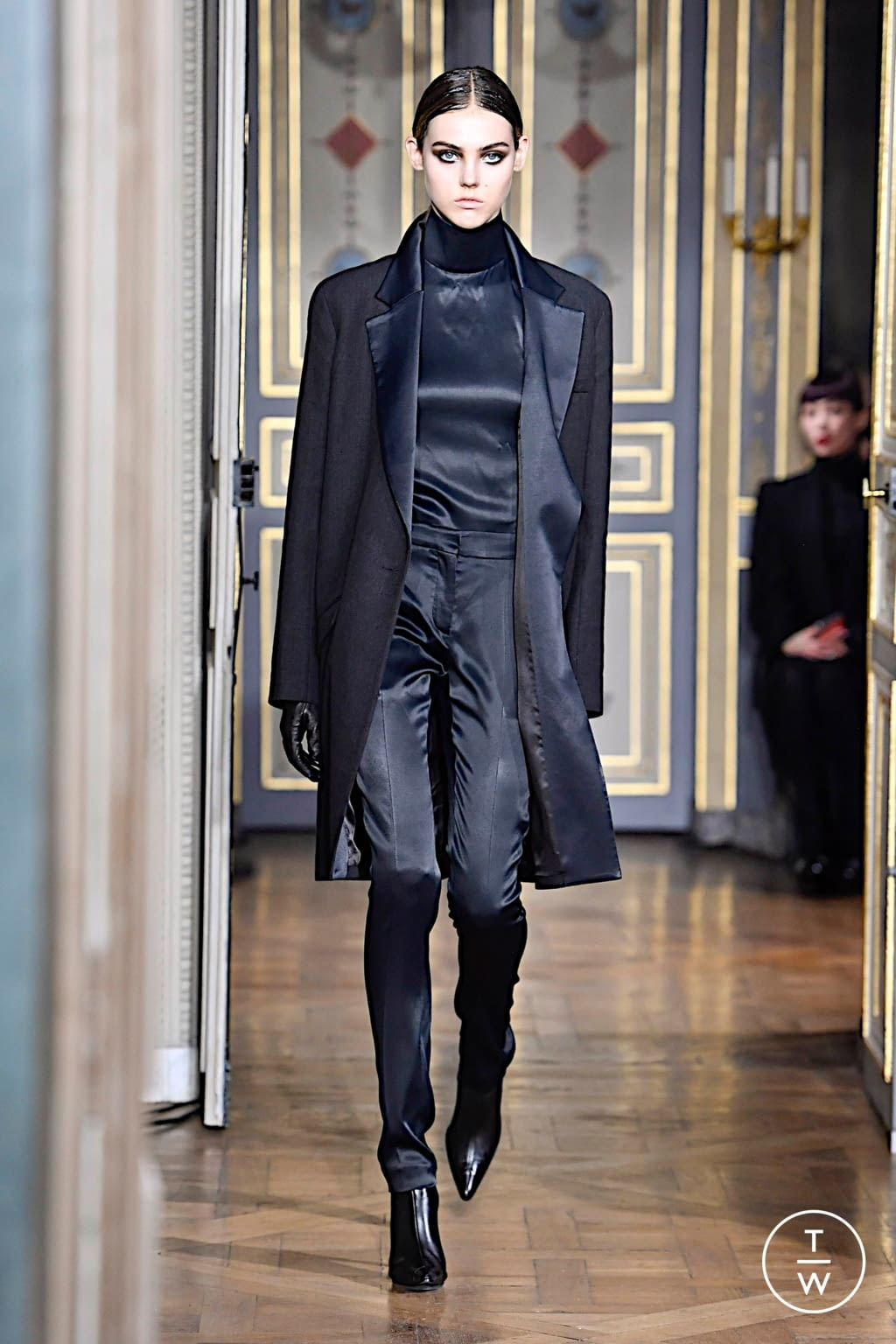 Fashion Week Paris Fall/Winter 2020 look 11 from the Olivier Theyskens collection womenswear
