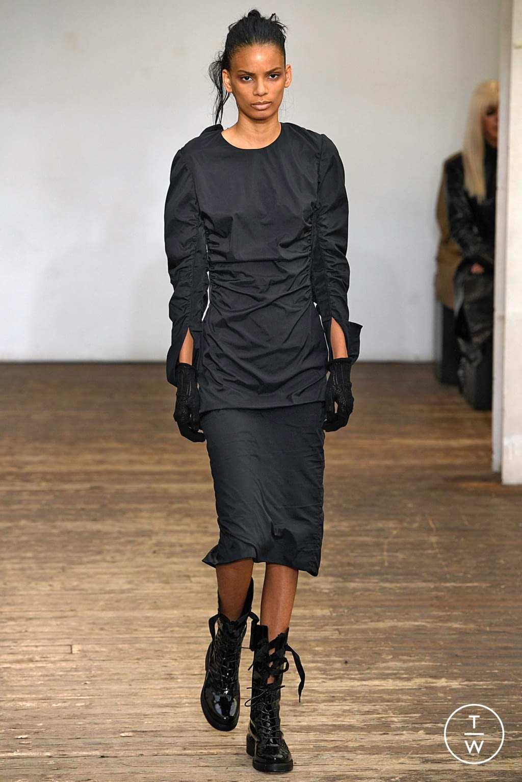 Fashion Week Paris Spring/Summer 2019 look 7 from the Olivier Theyskens collection womenswear