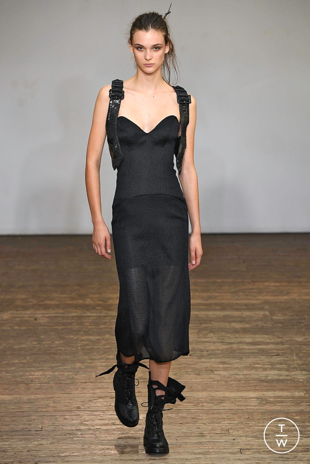 Fashion Week Paris Spring/Summer 2019 look 10 from the Olivier Theyskens collection womenswear