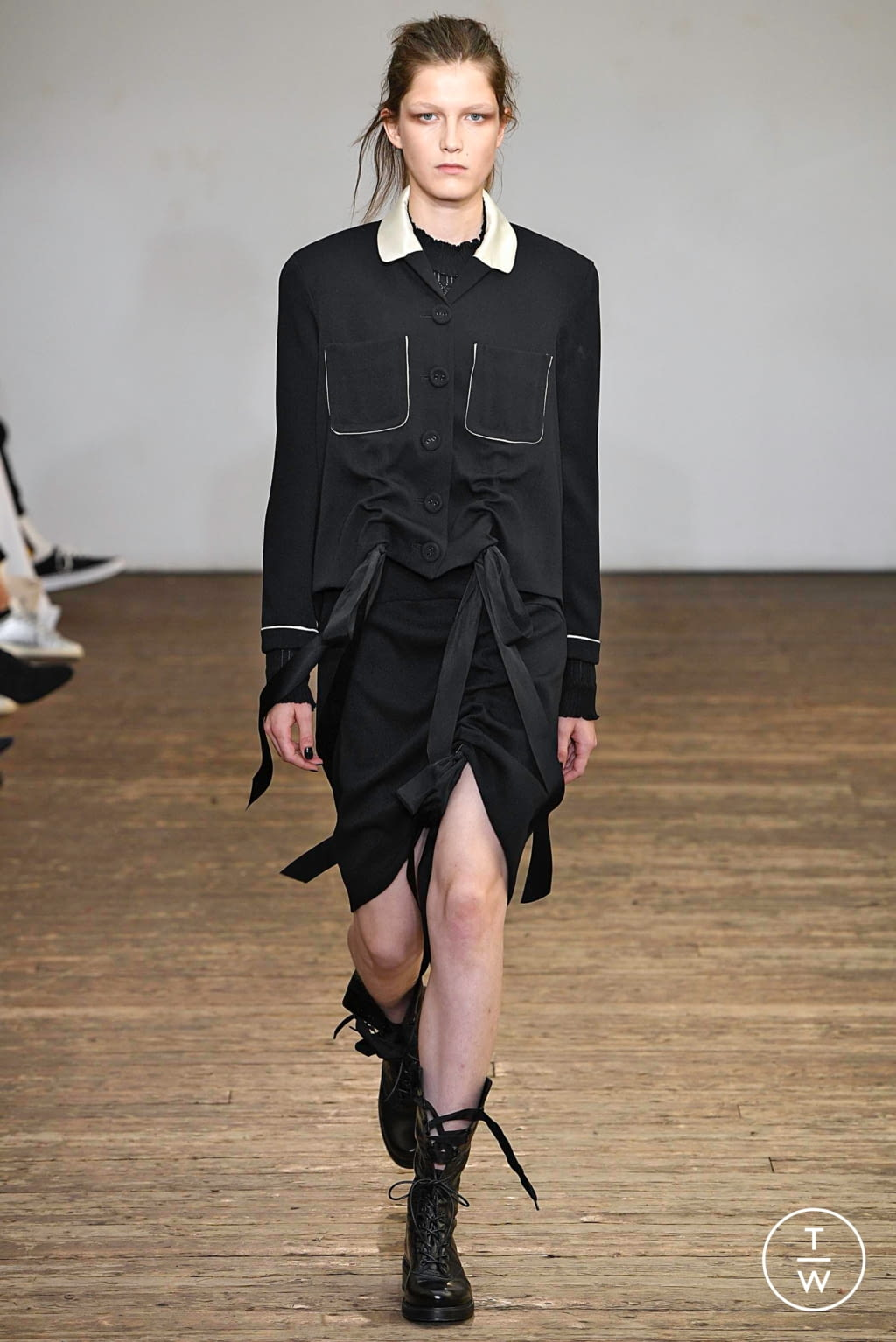 Fashion Week Paris Spring/Summer 2019 look 25 from the Olivier Theyskens collection womenswear