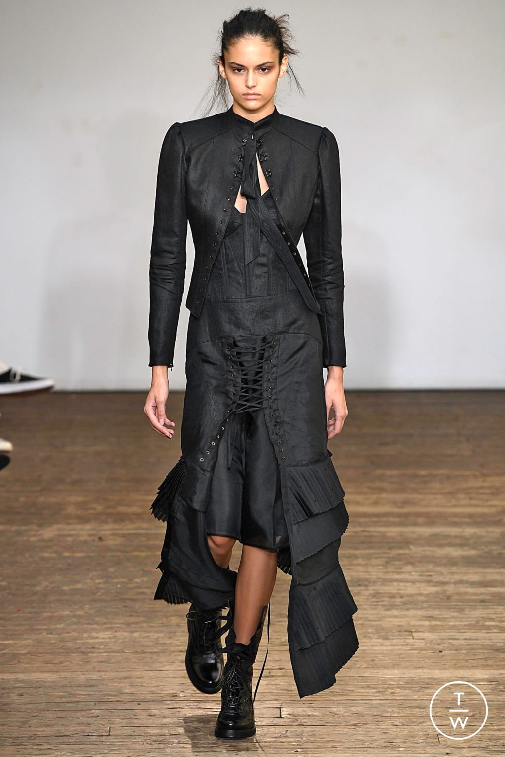 Fashion Week Paris Spring/Summer 2019 look 34 from the Olivier Theyskens collection womenswear