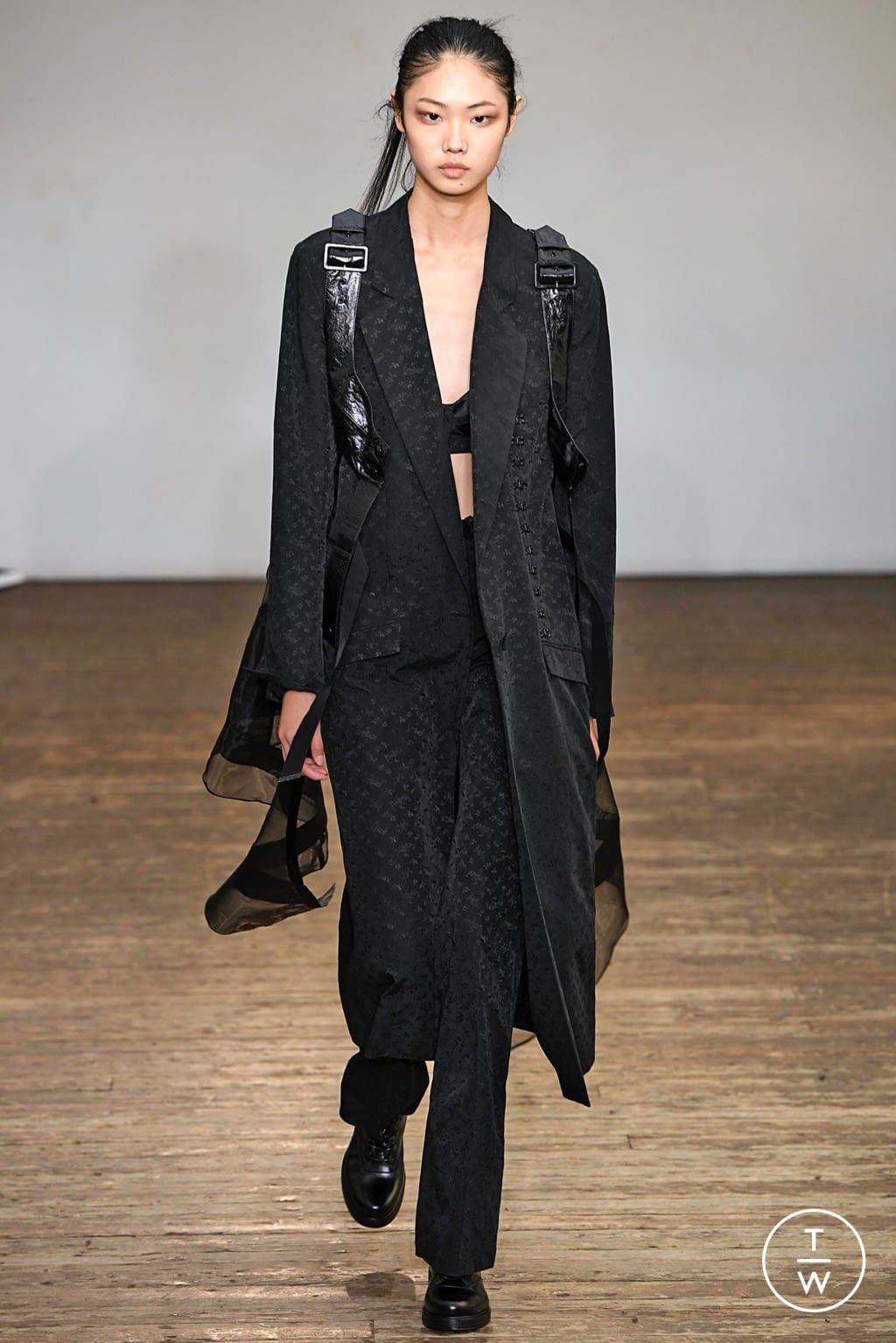 Fashion Week Paris Spring/Summer 2019 look 36 from the Olivier Theyskens collection womenswear