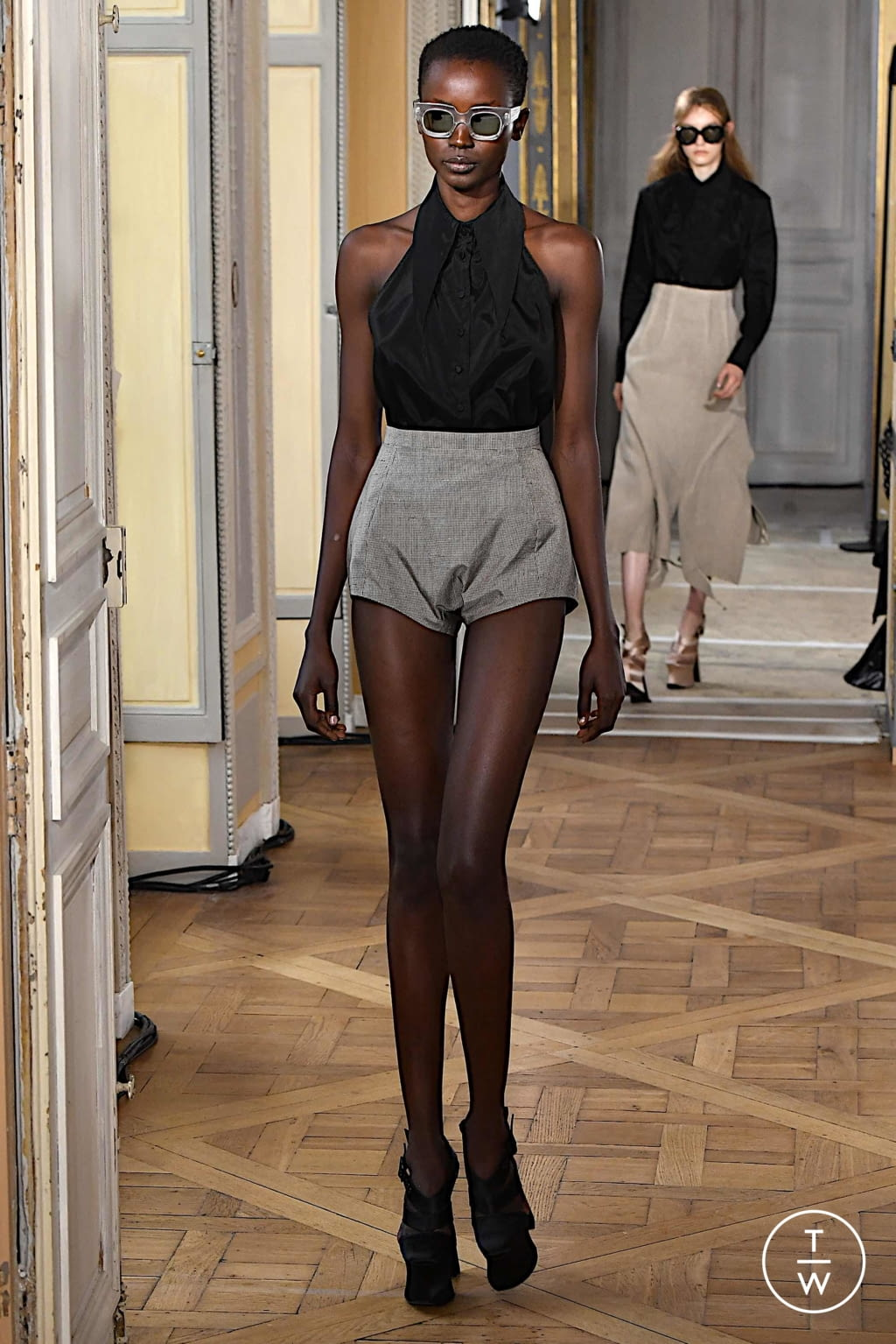 Fashion Week Paris Spring/Summer 2020 look 22 from the Olivier Theyskens collection womenswear