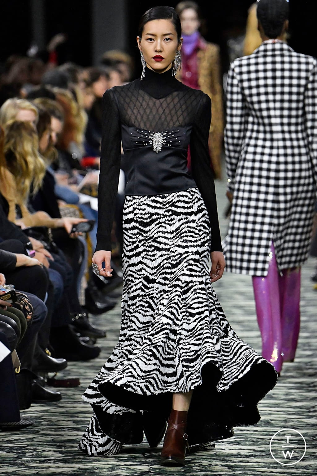 Fashion Week Paris Fall/Winter 2019 look 18 from the Paco Rabanne collection womenswear