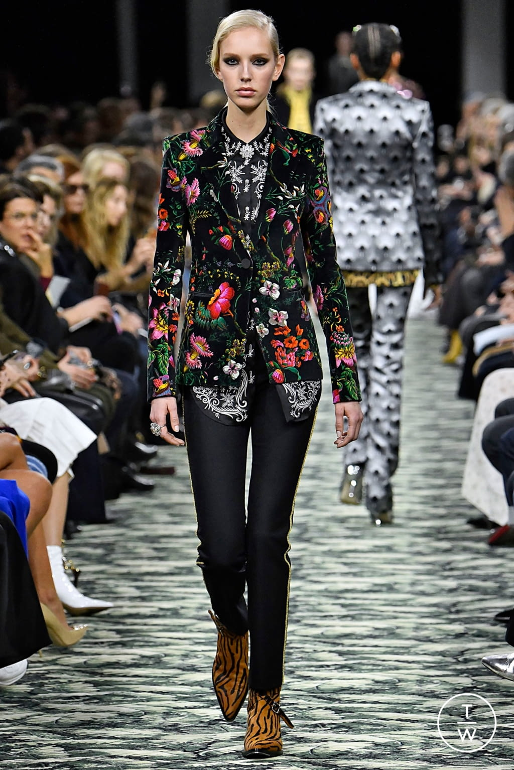 Fashion Week Paris Fall/Winter 2019 look 29 from the Paco Rabanne collection womenswear