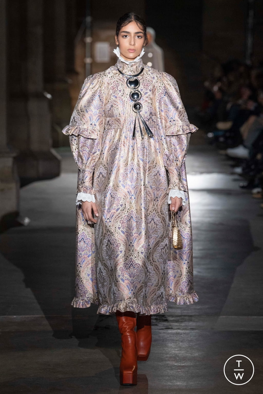 Fashion Week Paris Fall/Winter 2020 look 5 from the Paco Rabanne collection womenswear