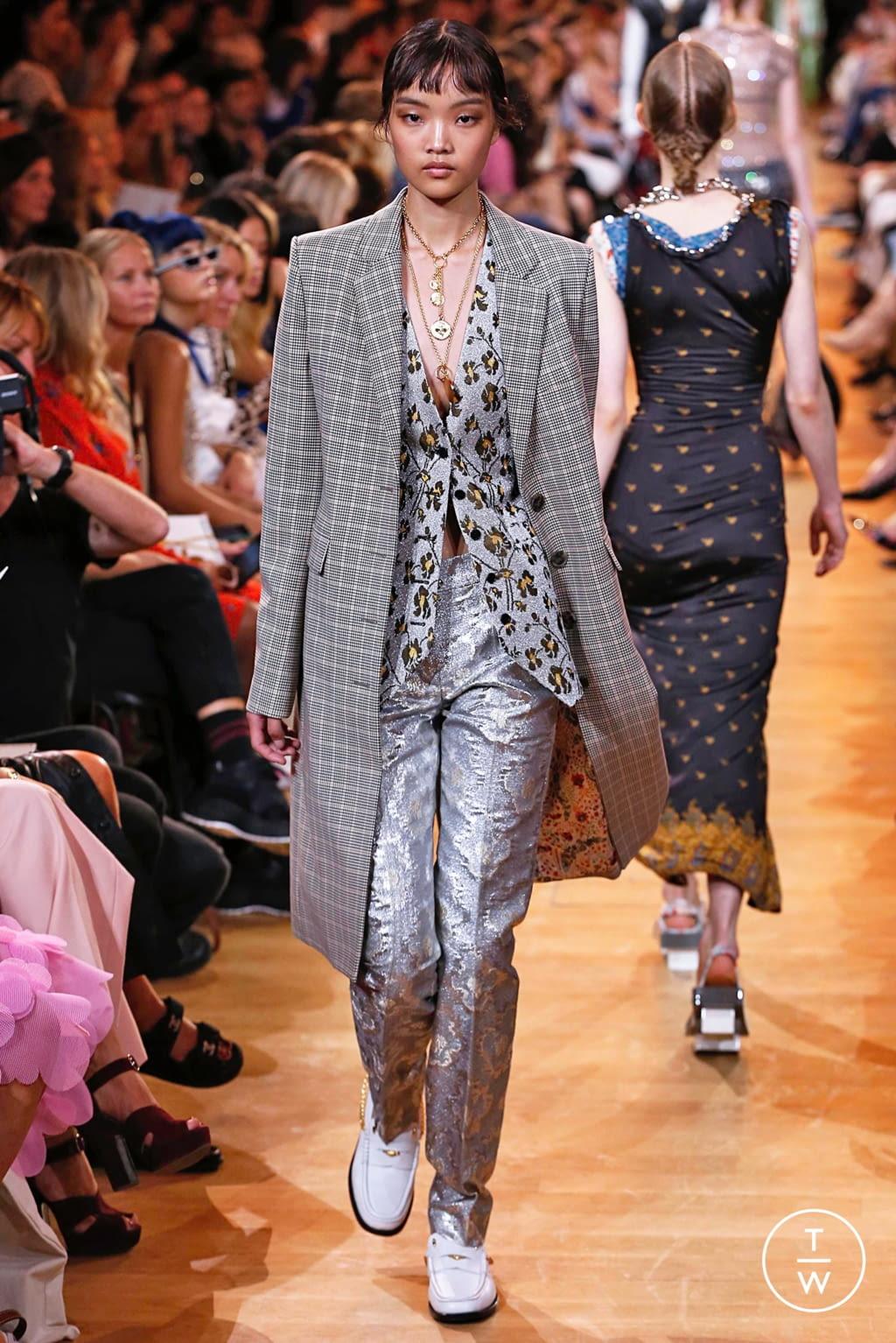 Fashion Week Paris Spring/Summer 2019 look 22 de la collection Paco Rabanne womenswear