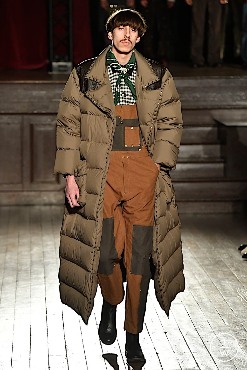 Fashion Week Paris Fall/Winter 2020 look 16 from the PHIPPS collection menswear