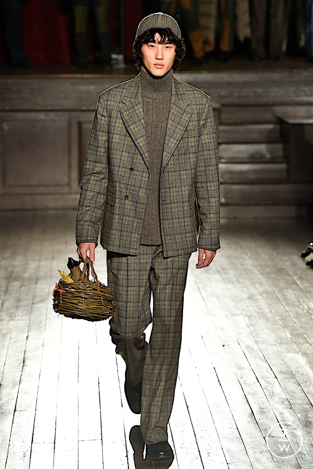 Fashion Week Paris Fall/Winter 2020 look 12 from the PHIPPS collection menswear