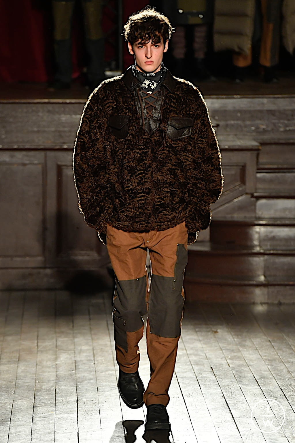 Fashion Week Paris Fall/Winter 2020 look 13 from the PHIPPS collection menswear