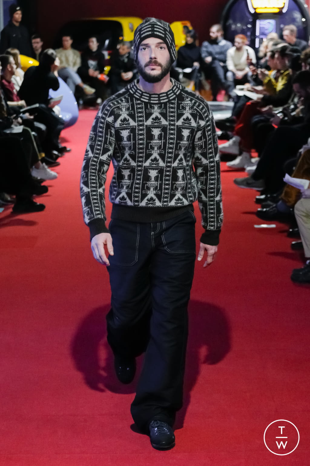 Fashion Week Paris Fall/Winter 2019 look 3 from the PHIPPS collection menswear