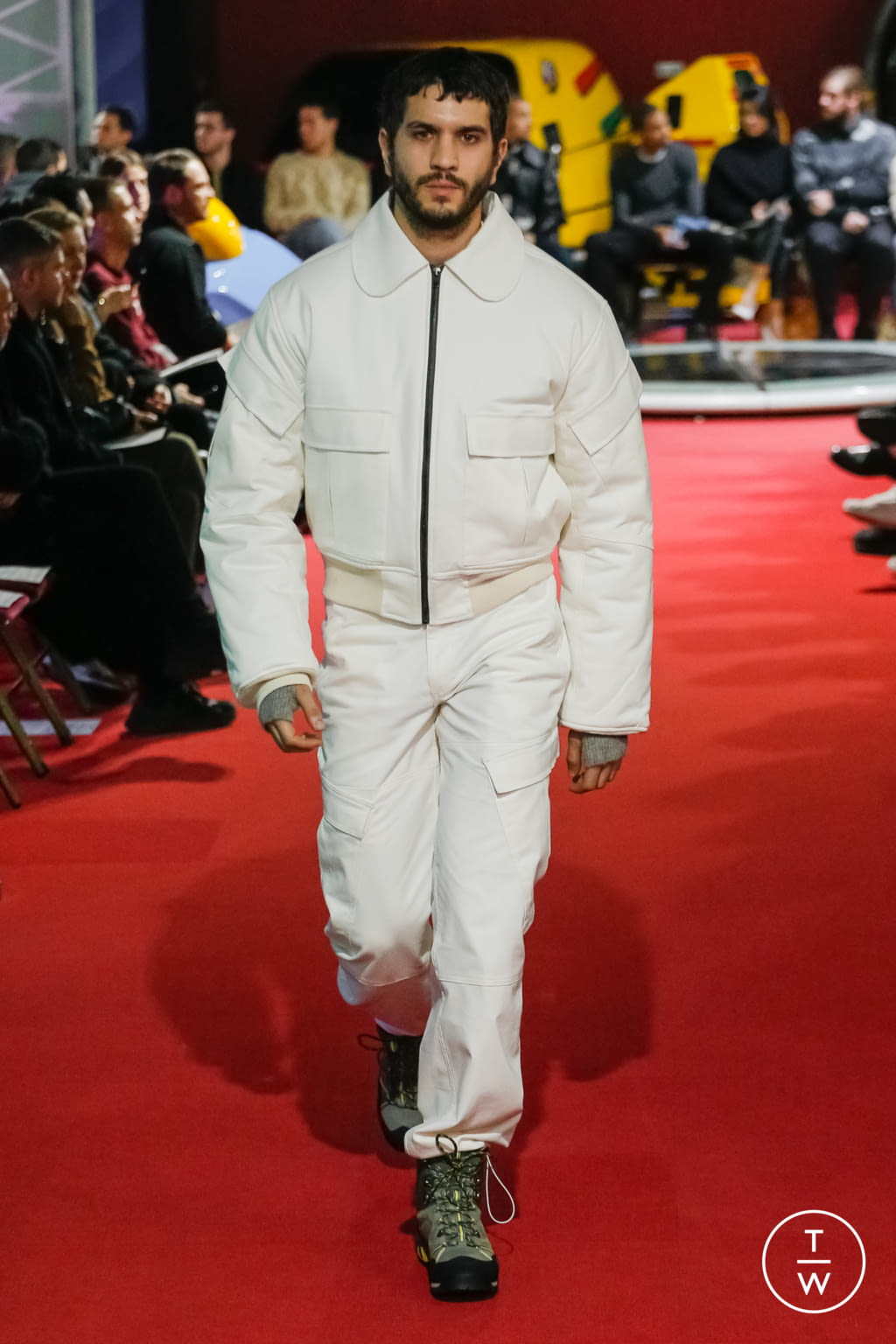 Fashion Week Paris Fall/Winter 2019 look 7 from the PHIPPS collection menswear