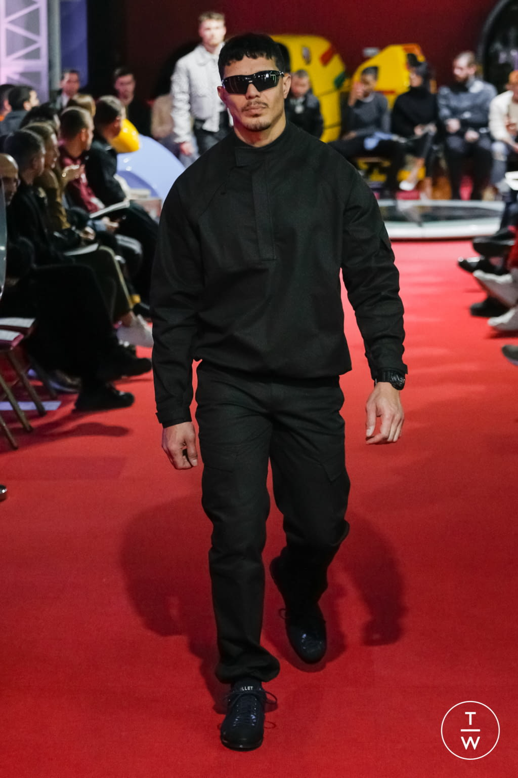 Fashion Week Paris Fall/Winter 2019 look 8 from the PHIPPS collection menswear