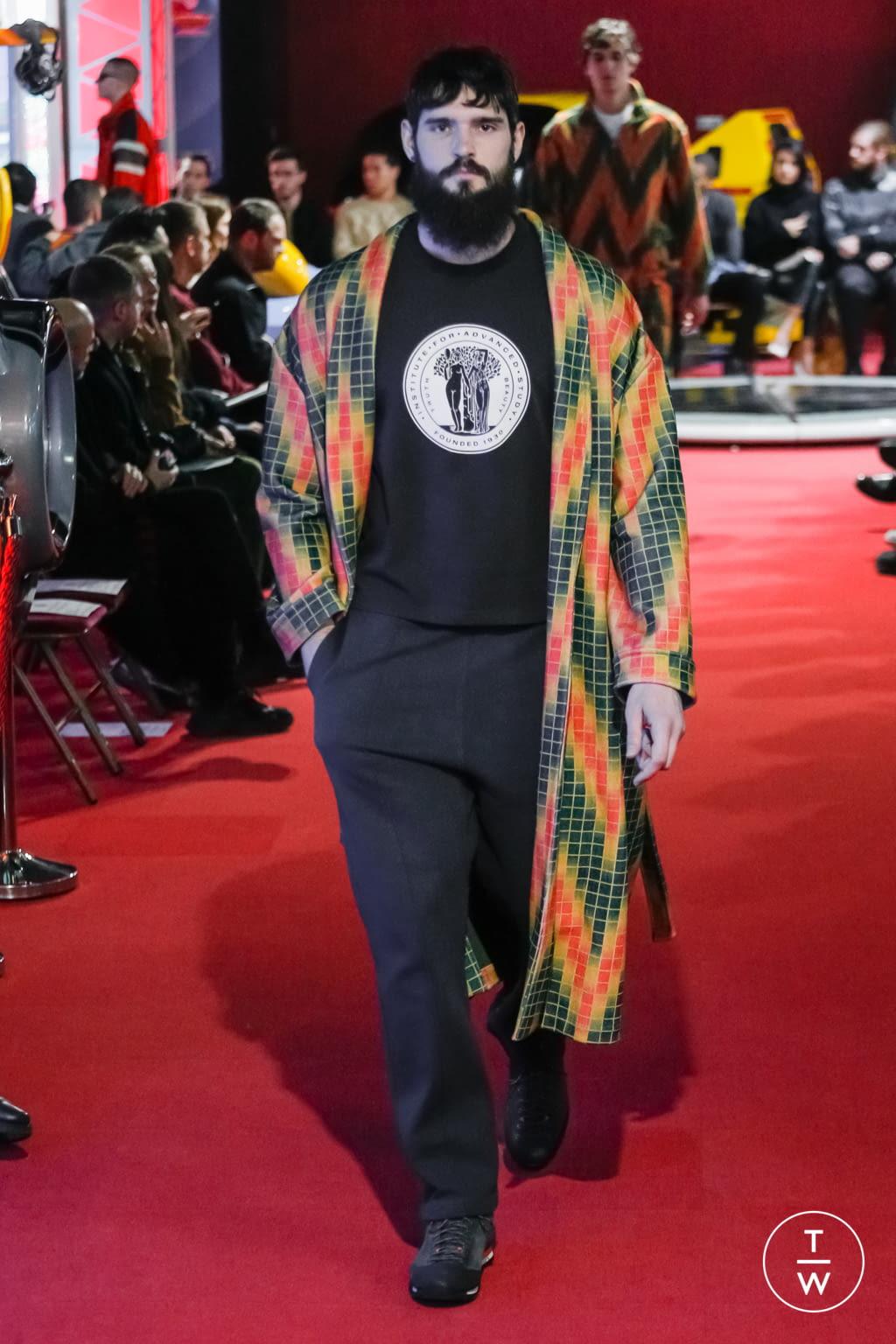 Fashion Week Paris Fall/Winter 2019 look 18 de la collection PHIPPS menswear