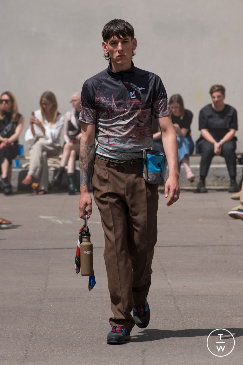 Fashion Week Paris Spring/Summer 2020 look 5 from the PHIPPS collection menswear