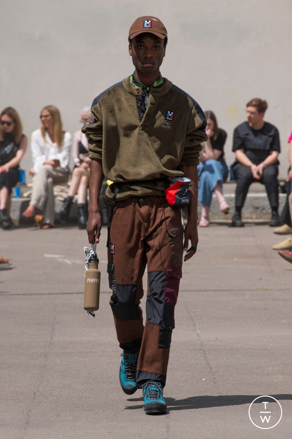 Fashion Week Paris Spring/Summer 2020 look 10 from the PHIPPS collection 男装