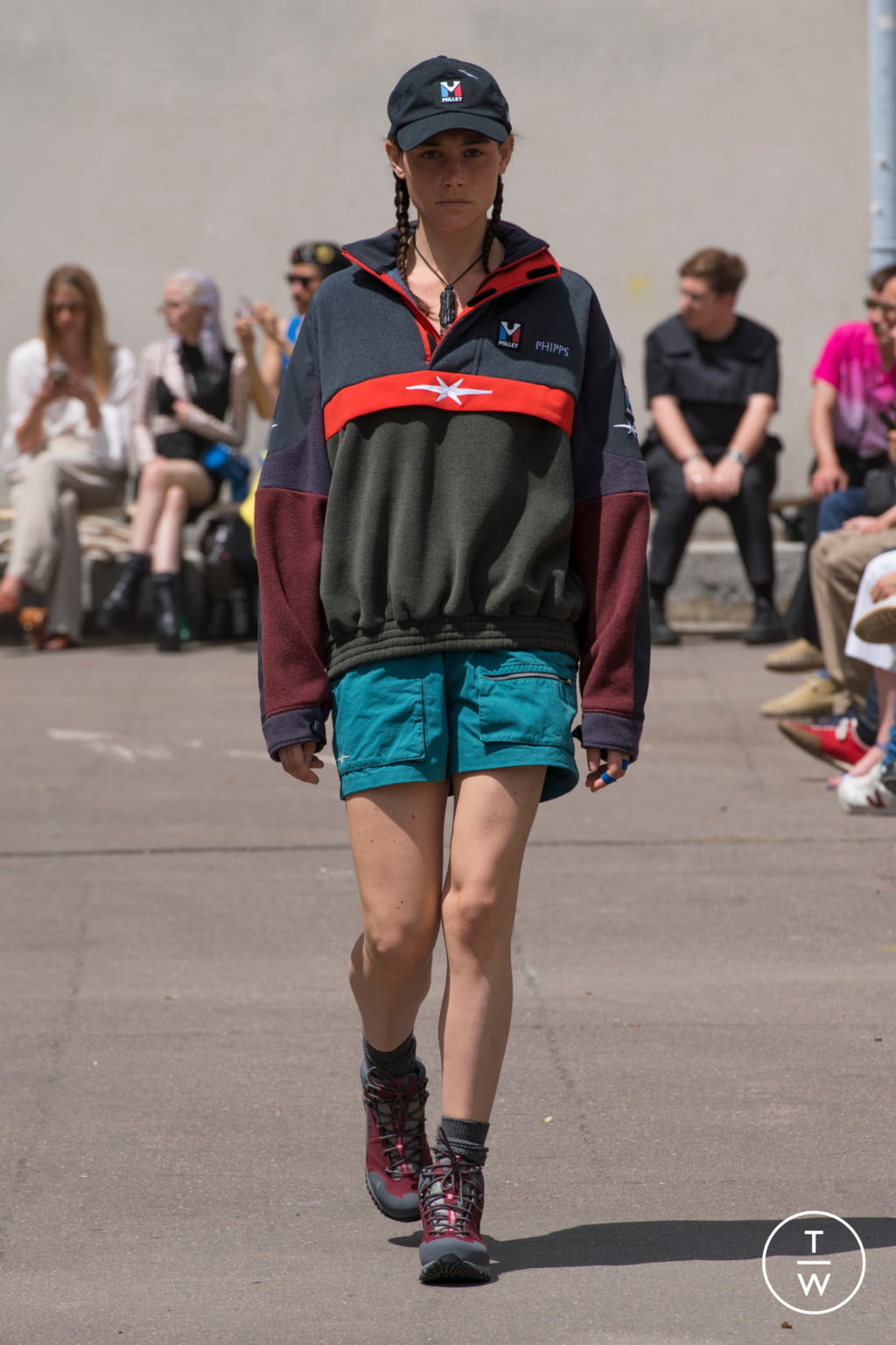 Fashion Week Paris Spring/Summer 2020 look 12 from the PHIPPS collection menswear
