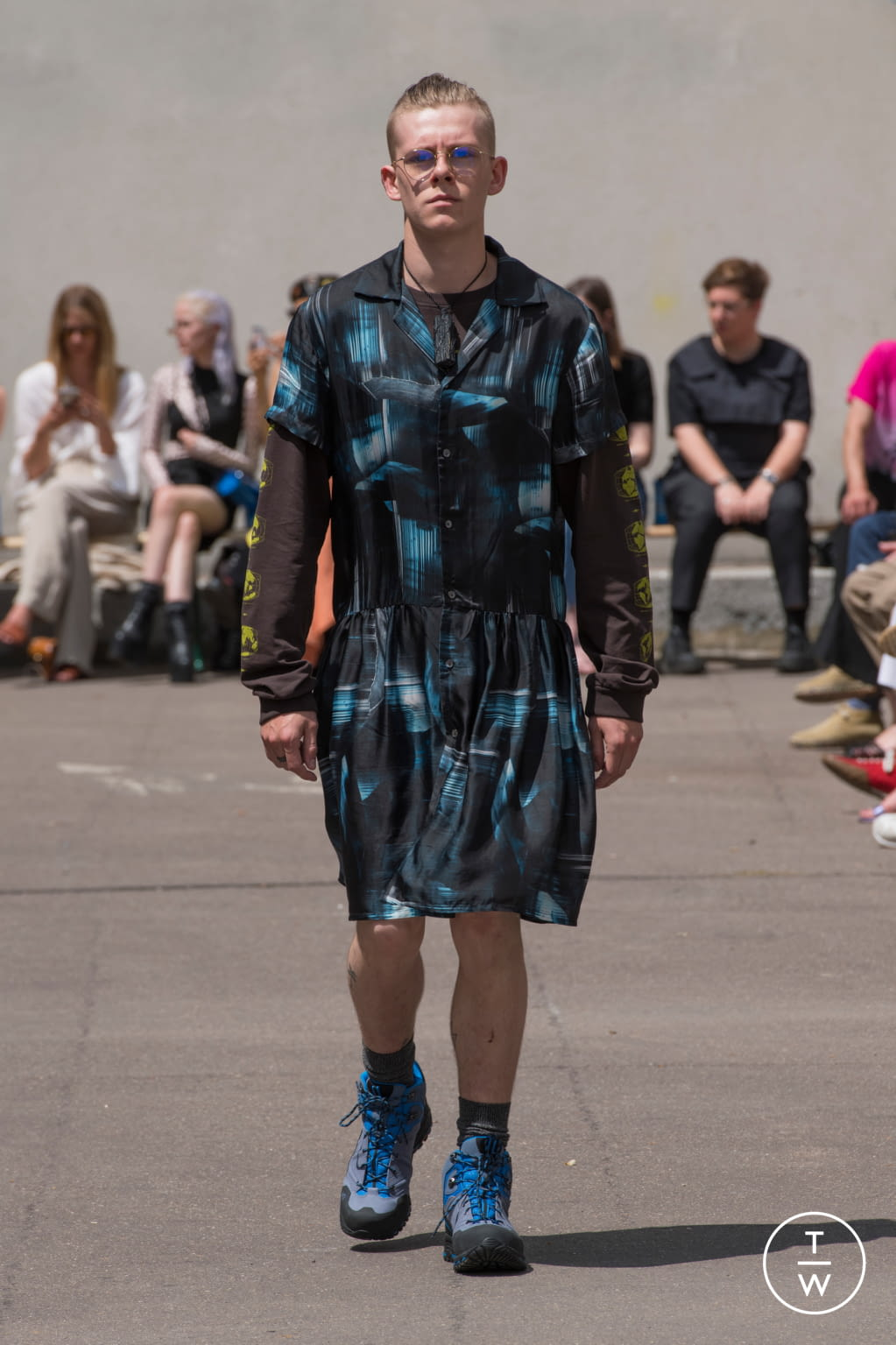 Fashion Week Paris Spring/Summer 2020 look 17 from the PHIPPS collection menswear
