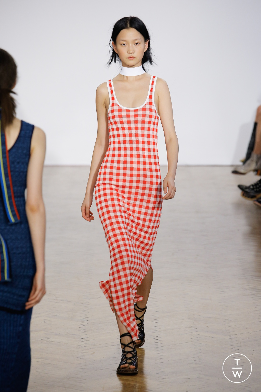 Fashion Week London Spring/Summer 2017 look 15 from the Pringle of Scotland collection womenswear