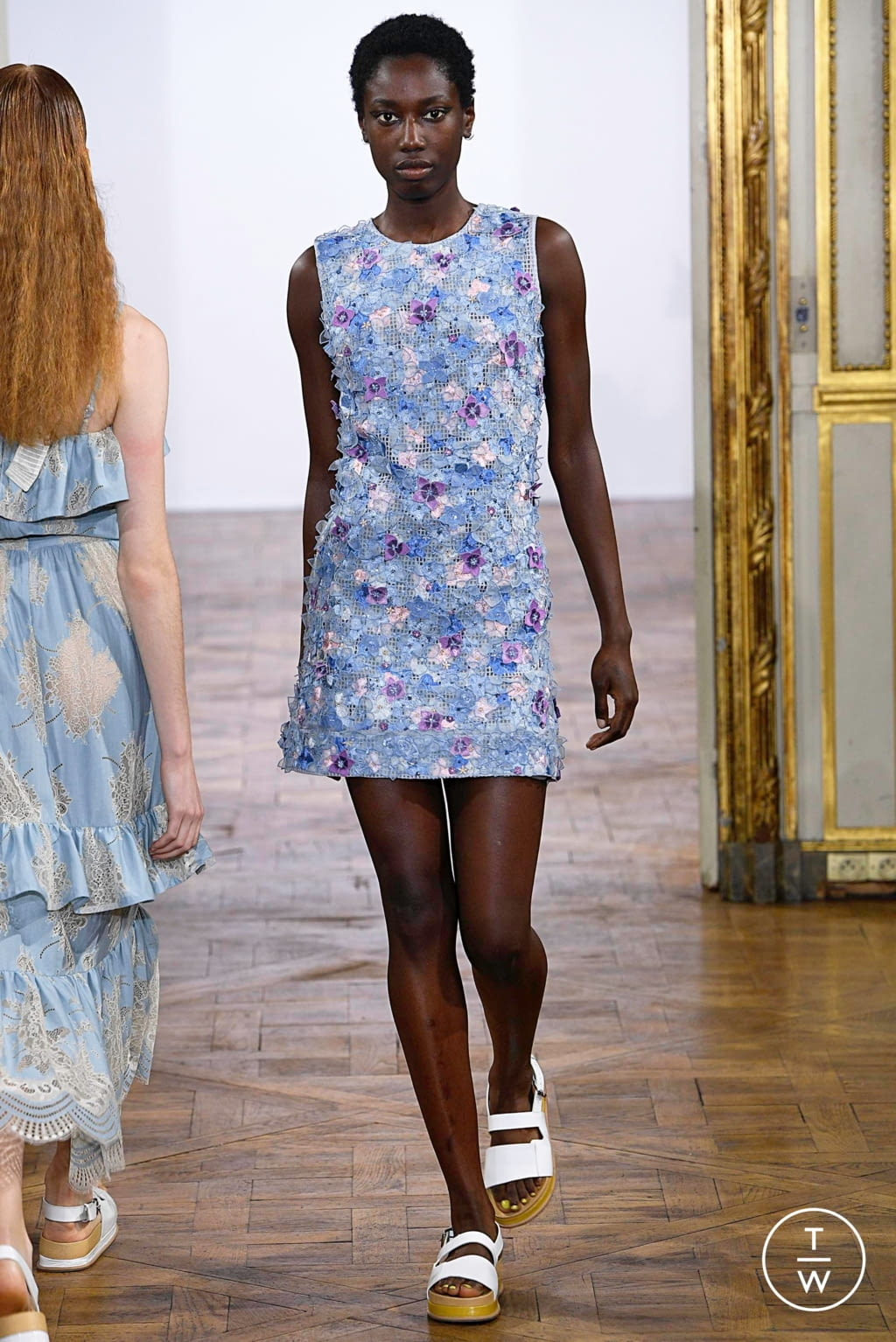 Fashion Week Paris Spring/Summer 2019 look 22 from the Rahul Mishra collection womenswear